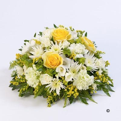 Classic Posy in Yellow and White